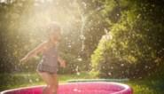 Drie waterspelletjes waar je kinderen zich de komende mooie dagen aan kunnen wagen