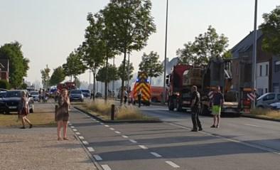 N43 in Machelen (Zulte) tijdelijk afgesloten door haagbrand