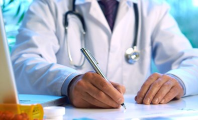 Voormalige arts krijgt 5 jaar cel voor onwettige uitoefening geneeskunde