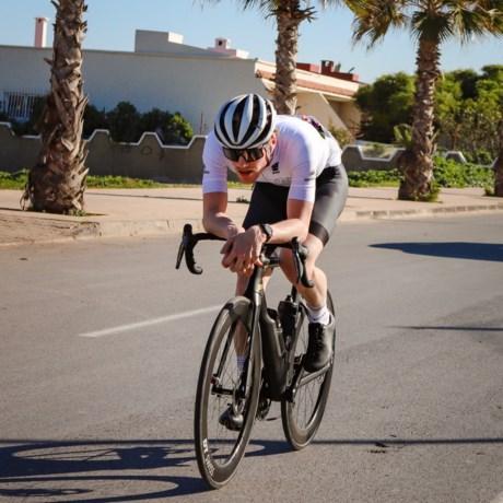 Ultrafietser Maxim Pirard probeert zich via Gran Fondo's een weg naar het profwielrennen te banen