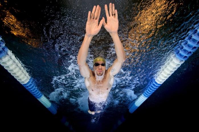 Zwembad al een maand open, maar van Pieter Timmers geen spoor: geeft de topzwemmer er nu al de brui aan?