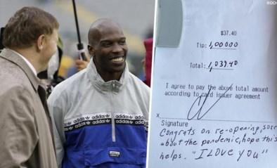 """Amerikaanse topatleet geeft een gigantische fooi (met dank aan een specifieke bijbelvers): """"Hopelijk helpt dit"""""""