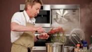 """Bart Kaëll test samen met andere BV's zijn bakkunsten in 'Bake off @ home': """"Luc is perfecte proefkonijn"""""""