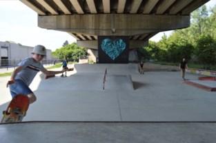 """Skaters houden zich aan regels: """"Het is oppassen of ziek worden"""""""