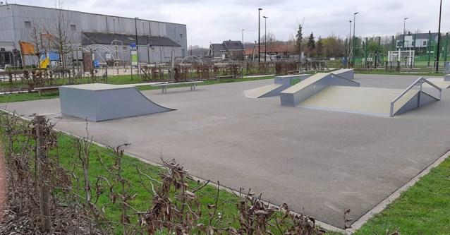 Skatepark en sportveld opnieuw toegankelijk, mits reservatie