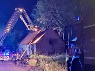 Brandweer kan voorkomen dat huis en bos in brand vliegen