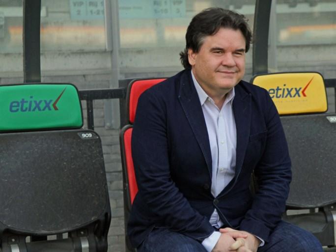KV Oostende-baas Paul Conway is in België en praat met coach Adnan Custovic