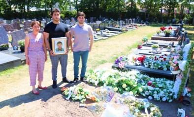Weduwe reserveerde plaats in graf naast overleden echtgenoot, maar ontdekt nu dat er al iemand anders ligt