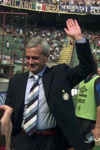 Inter rouwt om ex-coach Luigi Simoni, die voor winst UEFA Cup zorgde