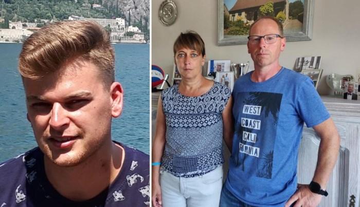 """Jonas (23) werd voor zijn ouderlijk huis vermoord: """"Wat wij op die oprit hebben gezien staat in ons geheugen gegrift"""""""