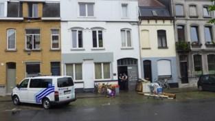 Speciale eenheden halen verschanste man (33) uit woning in Kortrijk