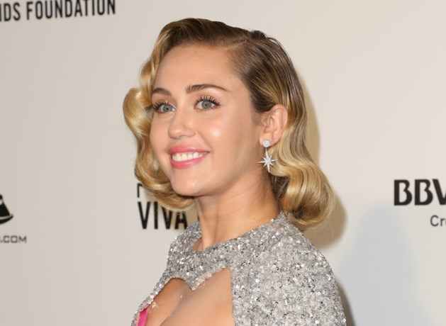 Moeder knipt haar van Miley Cyrus kort