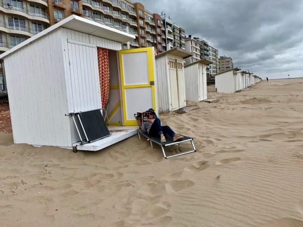 """Wrevel over verschillende regels rond strandcabines per kustgemeente: """"Mensen weten niet waar ze aan toe zijn"""""""