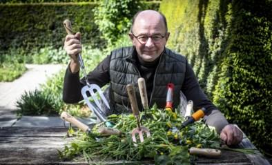 Onze groenman gaat onkruid te lijf zonder mes en test 10 tuinvorkjes