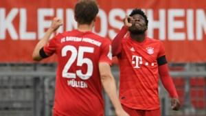 Frankfurt-verdediger eist hoofdrol op met twee doelpunten en een owngoal, maar Bayern München wint ruim na doelpuntenkermis