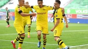 Assist van Thorgan Hazard helpt Dortmund aan eenvoudige zege bij Wolfsburg