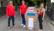 Jongsocialisten begraven tram 4 symbolisch op Schoonselhof