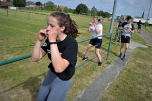 "Boksclub organiseert eerste fysieke training: ""Leuk, maar ik sla graag eens op iemand"""