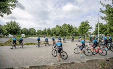 Wielertoeristen mogen weer in groep fietsen, maar gepaste afstand houden blijkt toch niet zo evident