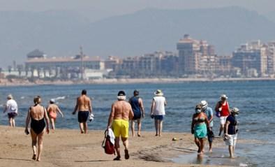 """Spanje heet toeristen welkom, Marc Van Ranst is optimistisch: """"Reizen kan, op één voorwaarde"""""""