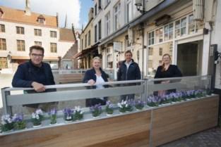 Geen (nieuwe) vaste terrassen meer op Vismarkt en Huidenvettersplein, wel sfeerverlichting en terrasverwarming