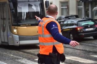 Twee gewonden bij aanrijding met tram en politievoertuig