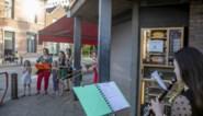 """Marte (9) speelt dagelijks saxofoon op straat en heeft al halve fanfare met trouw publiek: """"We houden dit vol tot de coronacrisis voorbij is"""""""