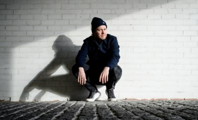 """""""Ben je een tweedeverblijver of wa?!"""" Acteur Rik Verheye schrijft ontmoeting met 'overjaarse spice girl' in Knokke van zich af"""