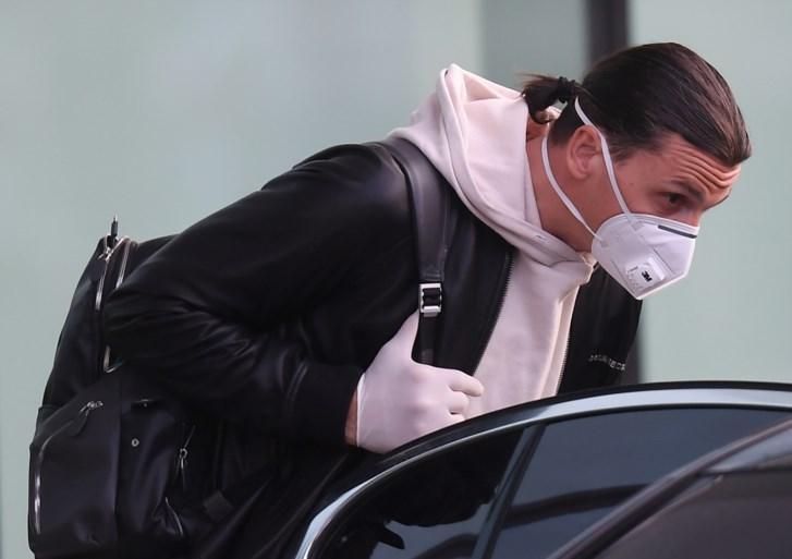 Niet zo slim, Zlatan: Zweedse spits snelt met niet-geregistreerde Ferrari door Stockholm