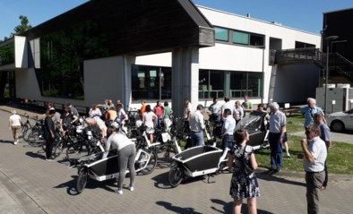 Helft van het Affligemse personeel komt deze maand per fiets naar het werk