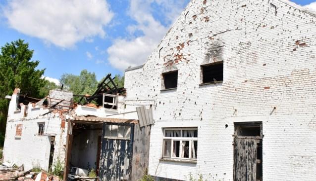 """Oude bakkerij bedolven onder afval: """"Opruiming kankervlek kan niet meer wachten"""""""
