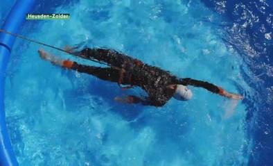 Triatleet Jelle Geens traint in zwembad in zijn tuin