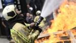 Appartement onbewoonbaar na zware brand, bewoner vlucht tijdig naar buiten dankzij alerte buren