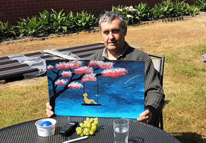 """Op de dag dat Johan (57) naar huis mocht na coma door coronavirus, verloor hij zijn moeder: """"Het waren vreselijke weken"""""""