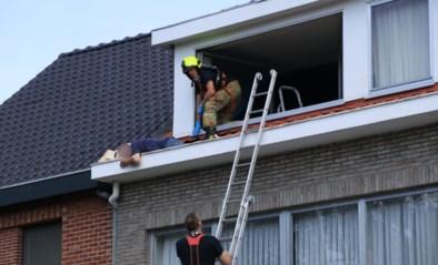 IJverige tachtiger ligt uren in dakgoot tot buurman hem opmerkt