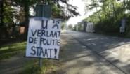 """Protestdoeken aan de grens weggehaald: """"U verlaat de politiestaat"""""""