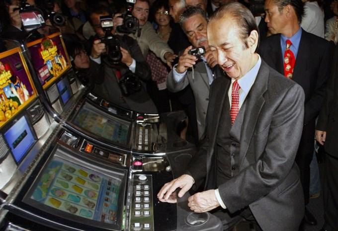 Stanley Ho (98), de berooide smokkelaar die uitgroeide tot de koning van het grootste gokimperium ter wereld