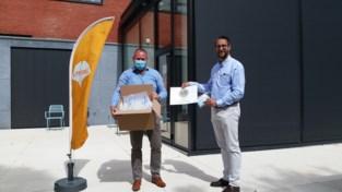 Lions Club Asse schenkt mondmaskers aan woon-zorgcentrum en school