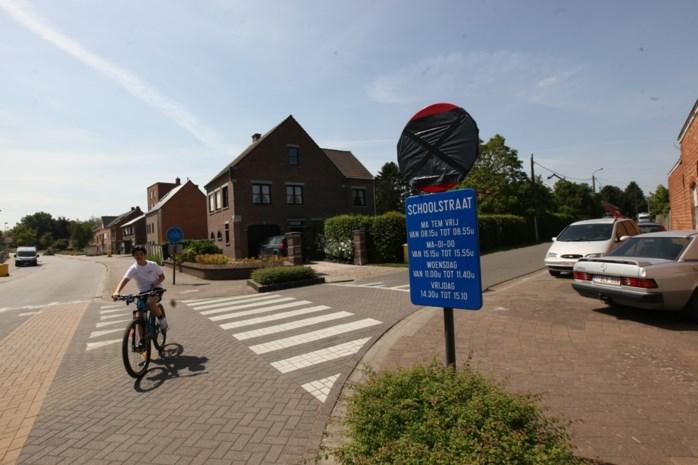 """Deze Schoolstraat is nu ook écht een schoolstraat: """"Veiliger voor de kinderen en duurzamer"""""""