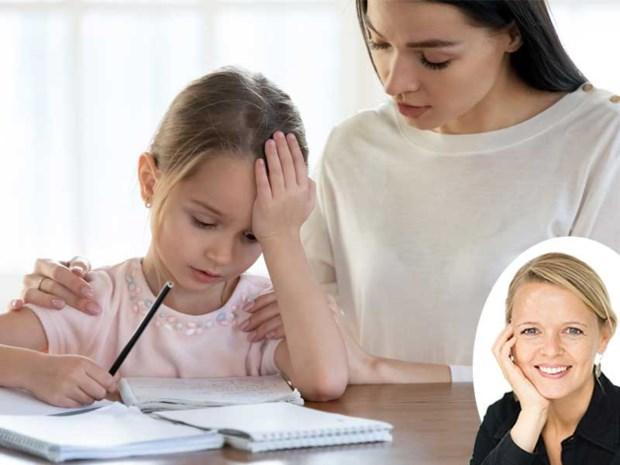 """""""Ik moet echt naast mijn dochter (11) zitten om haar schoolwerk af te krijgen"""" Onze opvoedingsdeskundige geeft advies"""