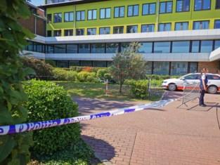Twee zwaargewonden na dronken dollemansrit met vluchtmisdrijf op ziekenhuisparking