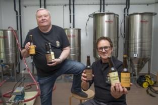 """Brouwers Bart en Johan lanceren lokaal broertje voor stadsbier: """"Toch één voordeel aan coronacrisis: een grote voorraad"""""""
