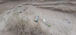 'Coronatoeristen' tonen zich meteen van hun slechtste kant: meer afval in de duinen