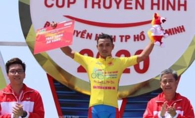 Vreemde koerstoestanden in Vietnamese HTV Cup: 55(!) man zomaar uit rittenkoers gezet