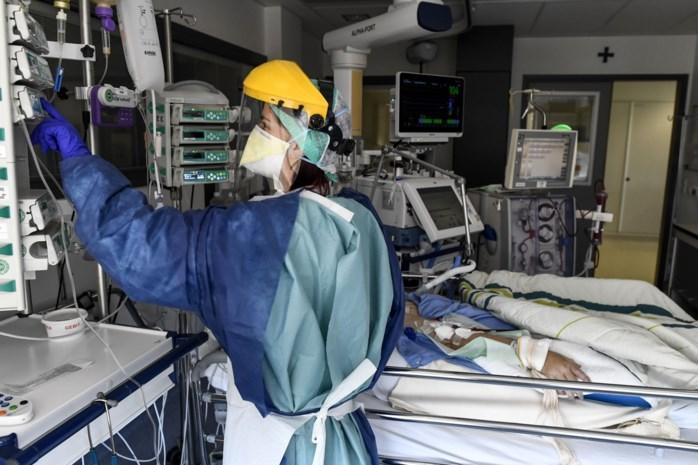 """Bloedrode cijfers door coronavirus: """"De regering moet ziekenhuizen redden zoals ze Brussels Airlines wil redden"""""""