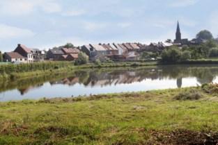 Wandelweg langs kasteelvijver compenseert nieuwe woningen om einde te maken aan twintig jaar durende procedureslag