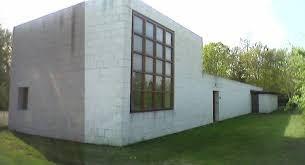Architect overleden wiens huis leek op de voorbijvarende woonboten aan de Brugse Vaart
