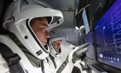 Historische lancering van de eerste bemande commerciële ruimtevlucht uitgesteld door slecht weer