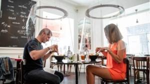 Wordt dit het nieuwe dineren? Designer creëert cilinders om veilig op restaurant te gaan