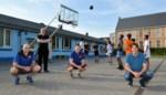 Jeugd BAVI oefent op Campus De Brug, elk met eigen bal